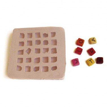 Molde silicona Easy&Flex Alfabeto, medida del molde 7,5 x 7,5 cm.